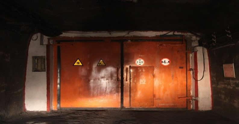 贵阳富康煤矿采购了我们福德矿用风门隔爆门